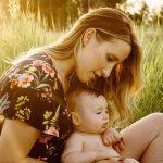 Contoh Puisi Tentang Ibu Paling Menggugah
