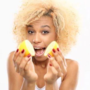 3 Cara Merawat dan Memutihkan Kulit dengan Lemon